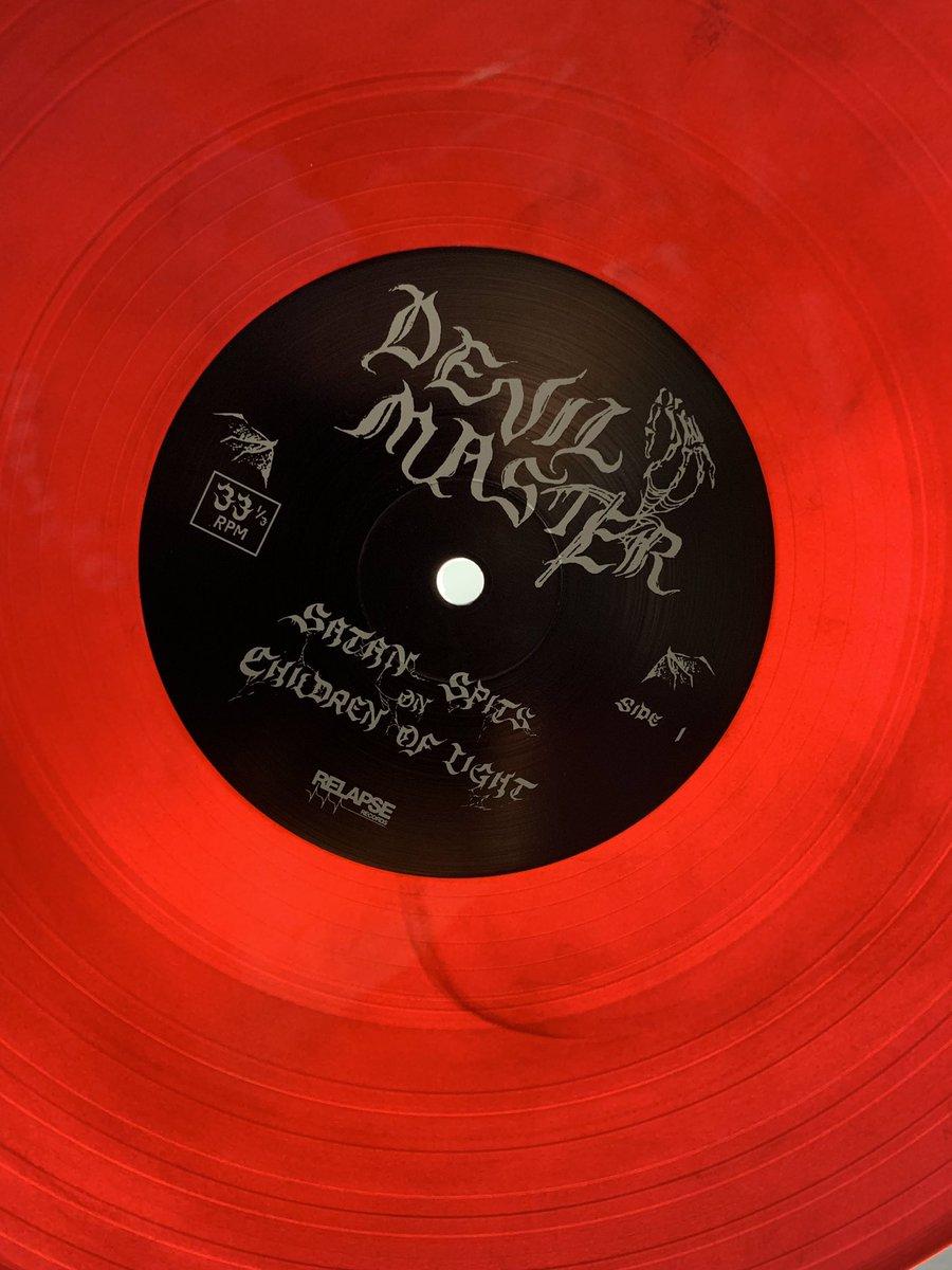 devilmaster-hashtag på Twitter