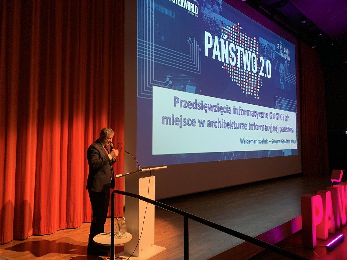 Zaczynamy 2. dzień konf #Panstwo20. Prezes @GUGiKgovpl Waldemar Izdebski o systemach IT geodezji: ogromna skala, unikatowe rozwiązania i wielkie znaczenie dla obywateli i gosp. https://t.co/8AF5q5KukN
