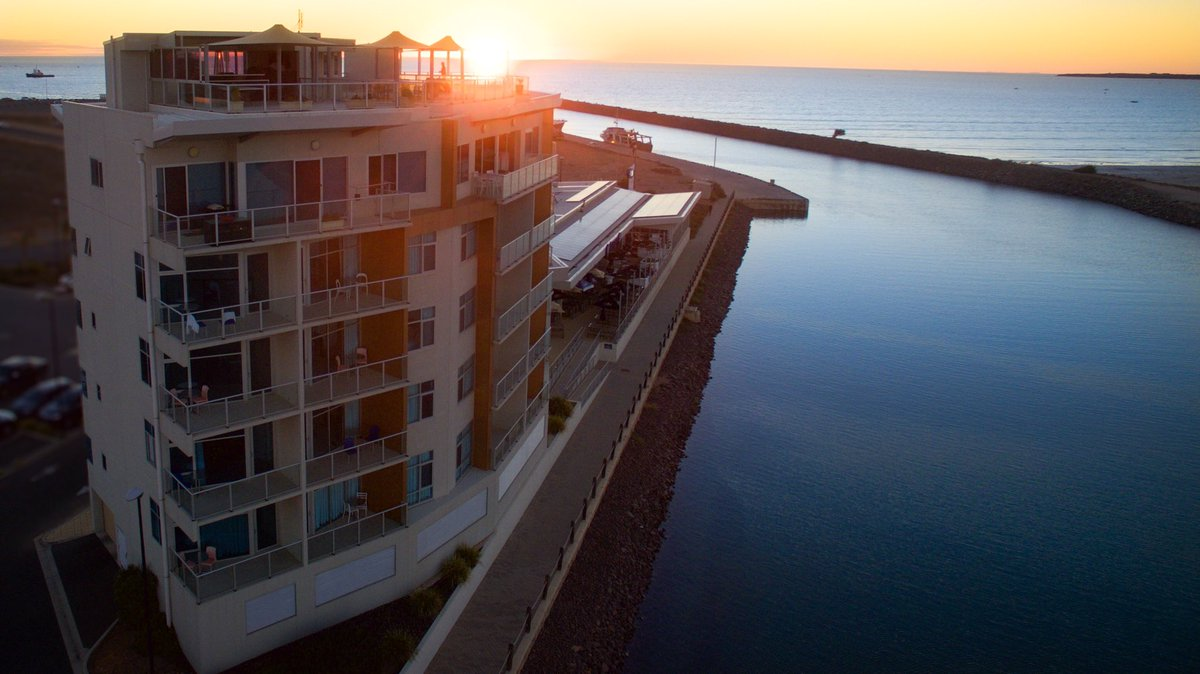 Sa Tourism Awards On Twitter Wallaroo Marina Apartments Is Awarded Silver In The Deluxe Accommodation Category At 2018 Qantas Australian