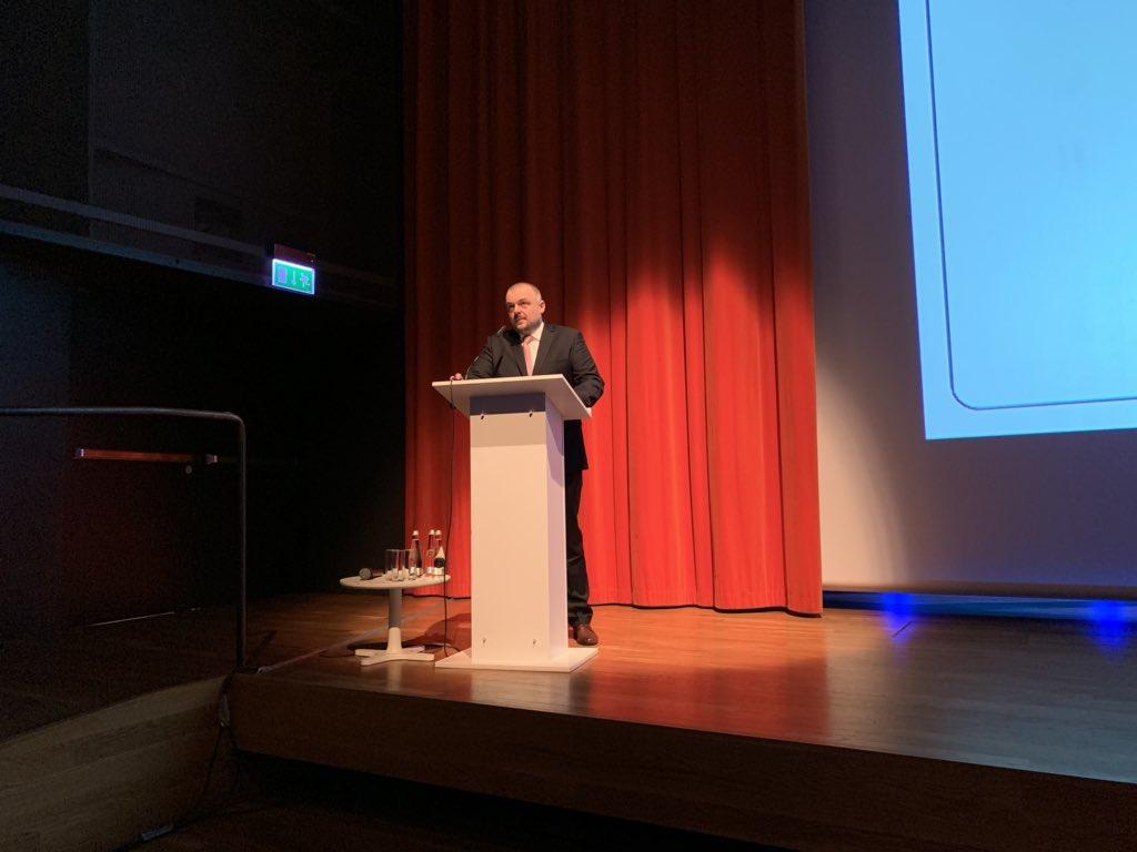 #Panstwo20 dyr. Bartłomiej Wnuk @CSIOZ składa raport z pran nad najważniejszymi projektami IT w ochronie zdrowia. https://t.co/4kvTsSQKy0