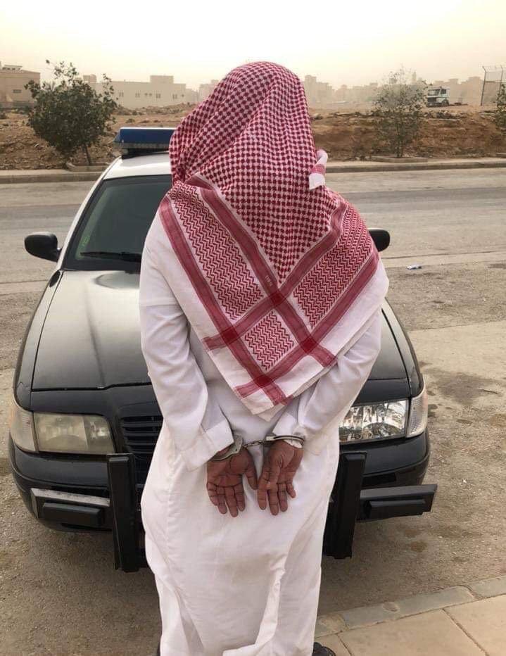 #الصحة: ضبط مدّعٍ يقوم بممارسة الطب البديل في #الرياض، بعد تسببه بممارسة علاجية مخالفة أسهمت في دخول طفل للعناية المركزة
