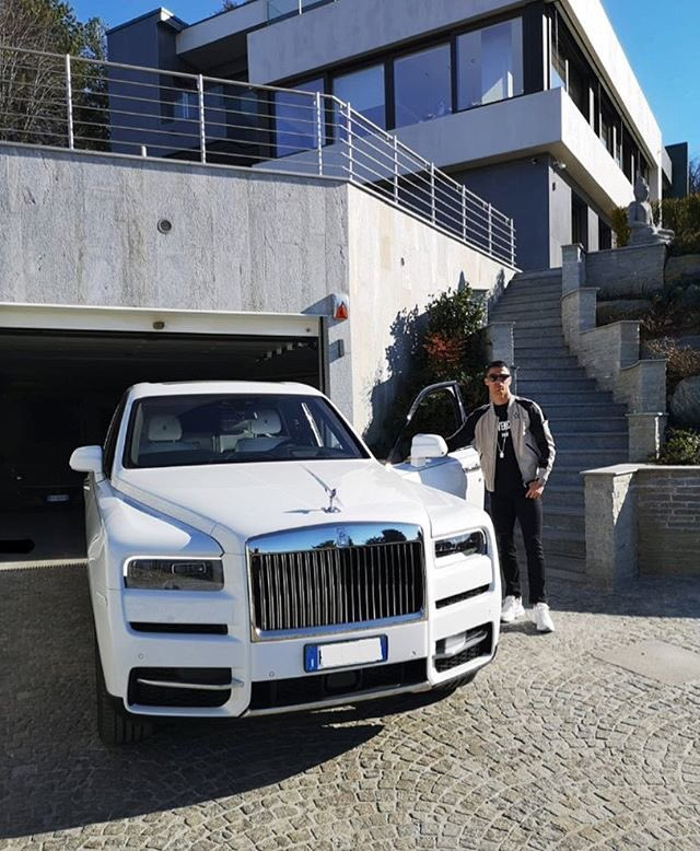 Picture of his Rolls Royce Phantom   car