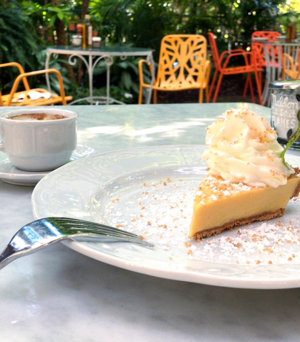 Celebrate the end of the week with our delicious Key Lime Pie 🤤😋 #Dessert #KeyLimePie #Lunch #LunchSpecial #CoconutGrove #PeacockGardenBistro