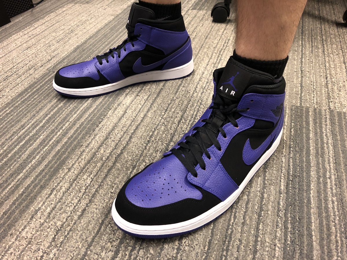 "eab32c4df6ec9  LiveServicesKicks bringing the heat today.  emesola - Adidas Nite Jogger  (unreleased colorway)  tjroopEA - Air Jordan 1 mid ""Dark Concord""   tarinupbeaches ..."