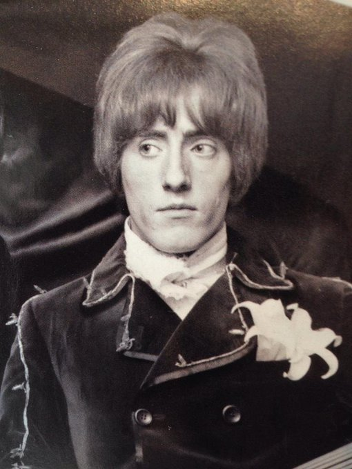 Happy 75th birthday today to Roger Daltrey!