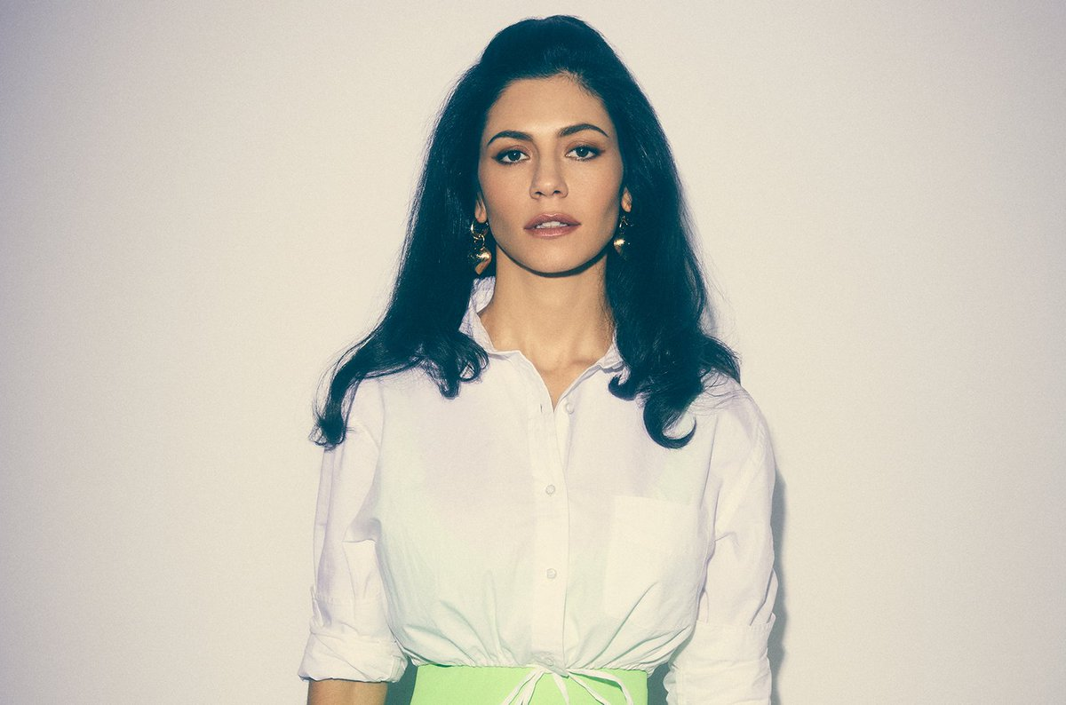 Listen: @MarinaDiamandis drops lovestruck #Superstar blbrd.cm/oTLIjr