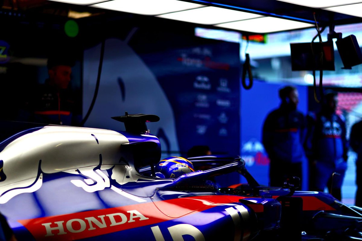Testing completed! Can't believe how quick it's gone! Lots learnt, just some final preparations now before Melbourne! 🇦🇺 🛫 #ToroRosso #HondaRacingF1 #RedBull #AA23 https://t.co/usDsAwVKzU