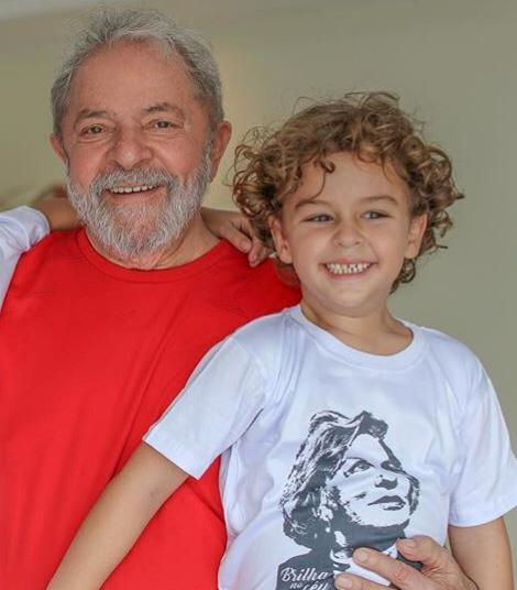 e557a8fab Lula consegue saída temporária da prisão para velório de neto em SP https