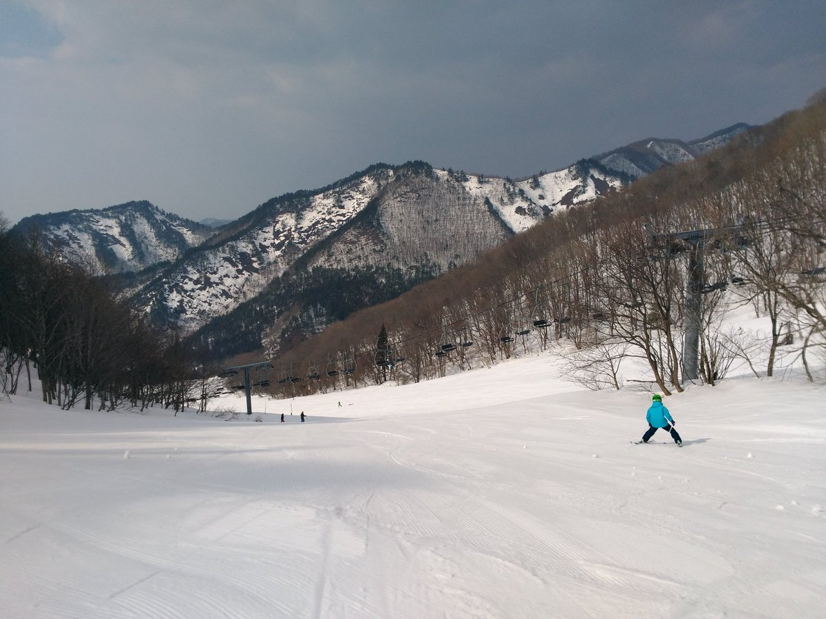 Image for the Tweet beginning: 飯坂温泉から30分でスイスイっとスキーに行けるんです。#近いよ米沢 #iizaka #近いよ福島 #鯖湖湯 #飯坂温泉