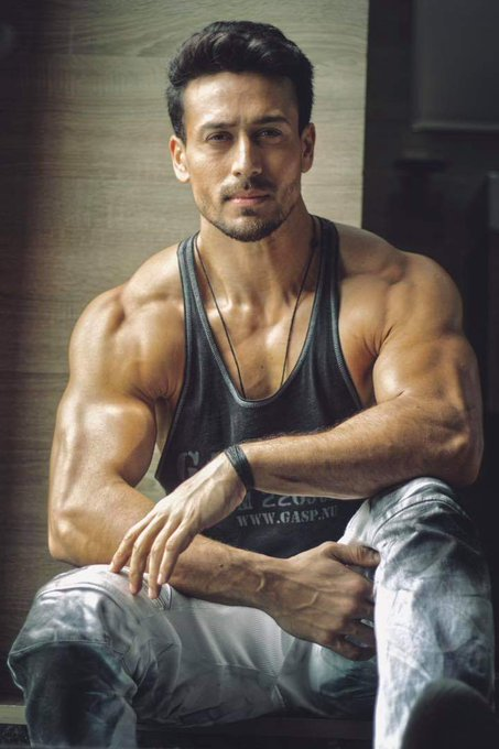 Happy birthday tiger shroff May Allah always keep you happy And all the happiness in the world
