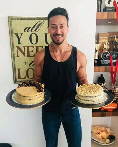 This day Tiger shroff birthday tiger bhai happy birthday I love you