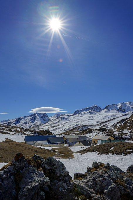 Grand ☀️🔥💯Col du Pourtalet 📷 @Meteo_Pyrenees #pyreneesatlantiques #pyrenees #pirineos #aragon #formigal #laruns #portalet #pourtalet