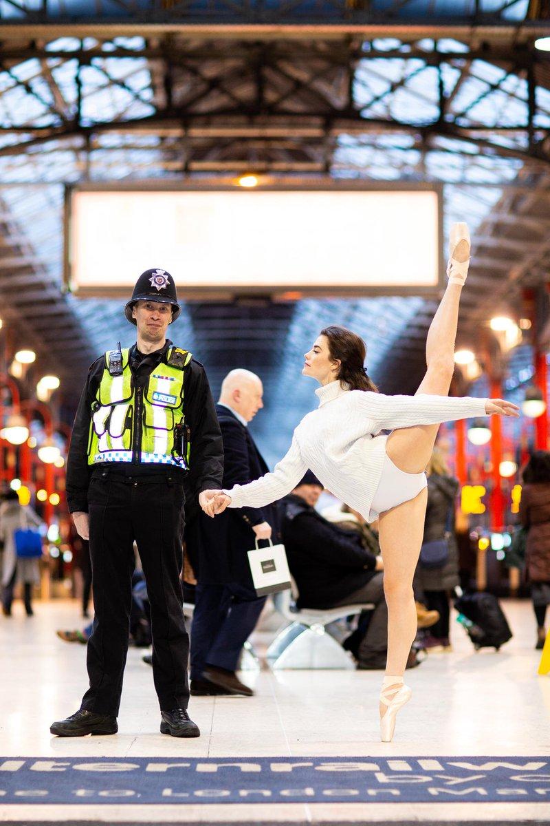 D0p1Pj2WsAES N5 - Marylebone station's anniversary