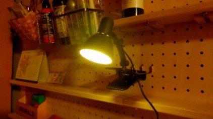 test ツイッターメディア - #100均 #ダイソー #USBクリップSMDライト 以前買ったUSBクリップSMDライトを本格的に?電球色にしてみました、電球カバーをクリアオレンジに塗っただけですが🙂🙃😃 https://t.co/hvpDRrJ6bl
