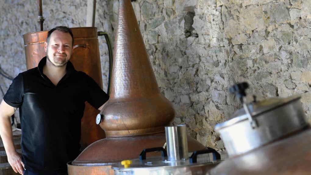 La Grzeczka, première vodka distillée en #Deuxsevres. Bientôt le whisky et le gin ! https://buff.ly/2VCJLub