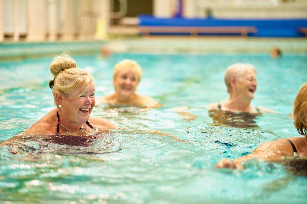 Помогает ли бассейн похудению