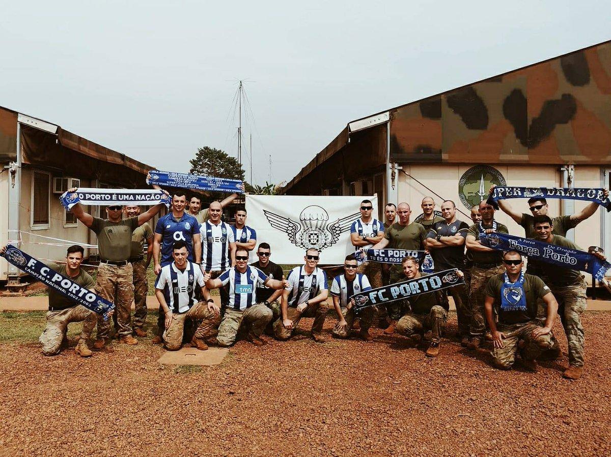 3d9af028829f6 Paraquedistas   República Centro Africana dão o seu apoio para o Clássico  🔵⚪  FCPorto