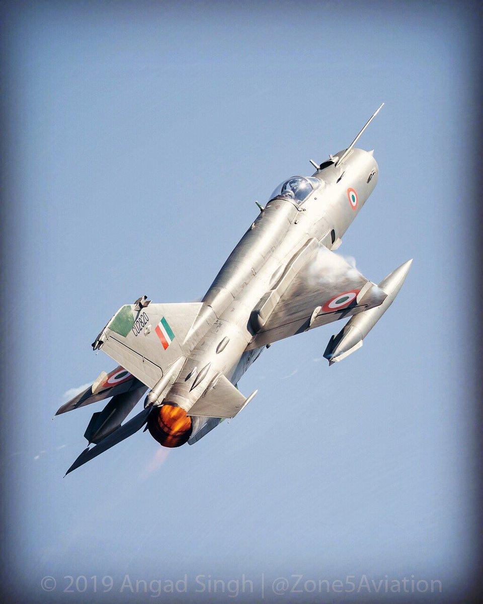 MiG-21 Bison shoots down F-16 in Kashmir - Page 2 D0qPXImXcAA4WeW