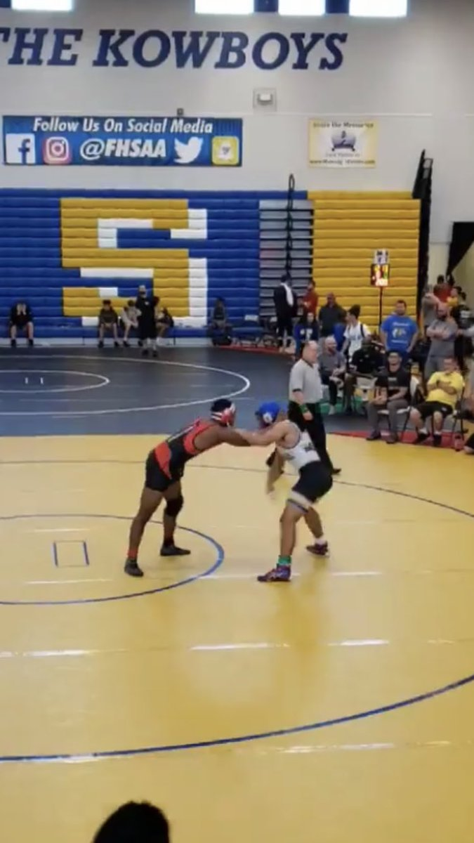 Congrats to #BayBoyz senior Tobi Onalaja on being crowned the 3A Regional Champ in 220 lb. weight class!! Proud of you, my man! Hillsborough County, stand up! #EastBay #IndianStrong <br>http://pic.twitter.com/uHScLBMjBm