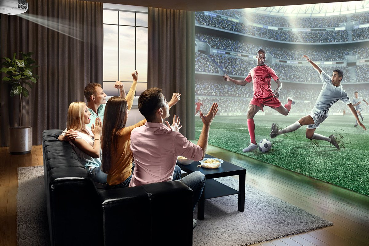 """Elevate your home theatre viewing experience — these #4K @BenQAmerica projectors offer a screen size of up to 300""""! http://ow.ly/yPkv30nTLjY"""