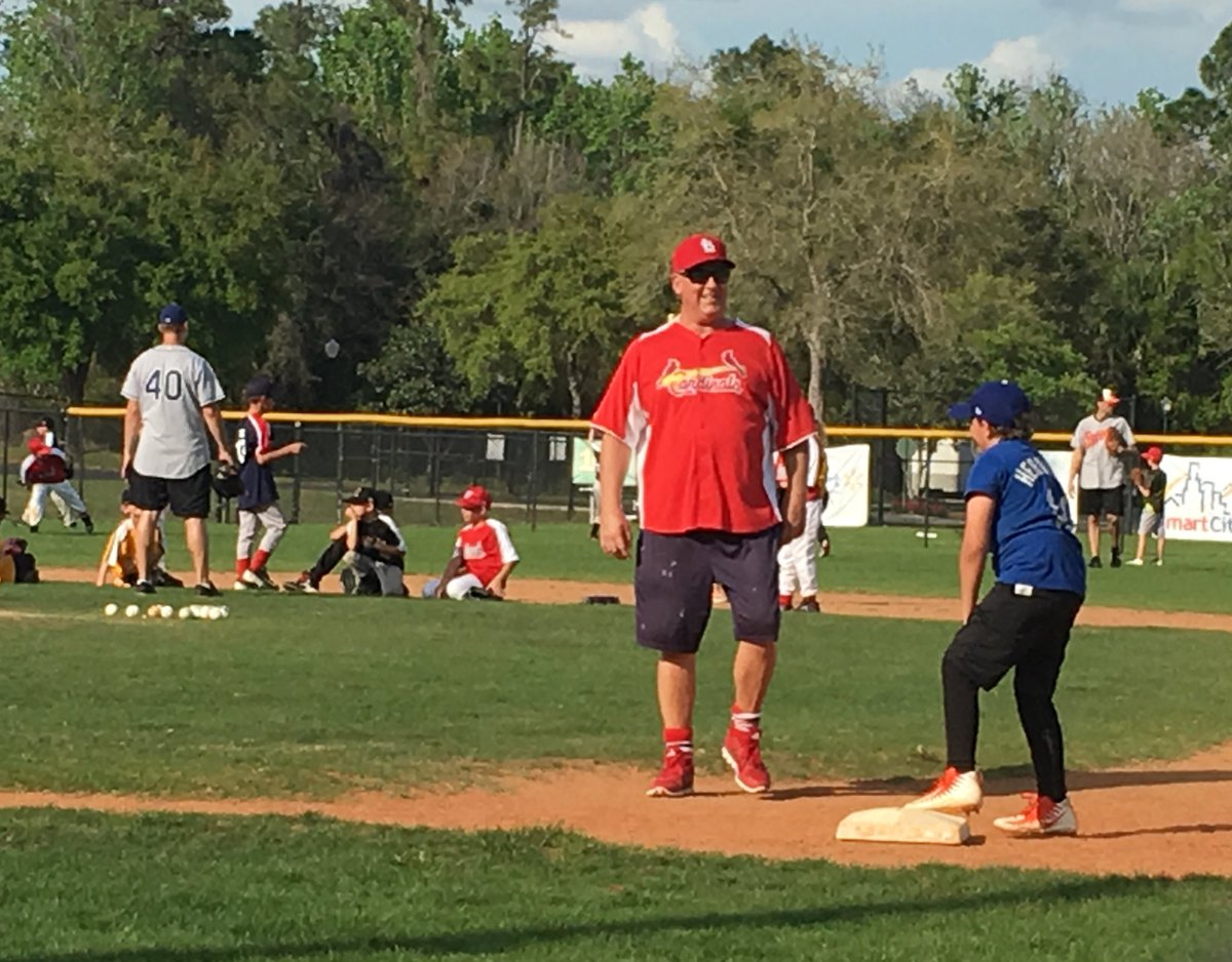 Awesome day for #LFYClinic. Thanks everyone @mlbpaa for this great opportunity!
