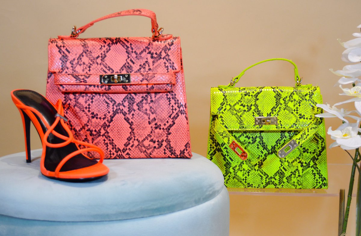 Bold Neons + Snake Print  Take a walk on the wild side Search: Taylor Snake Print Bag (available in orange and lime) http://www.Shopmywishlists.com  #shopnow #affordablefashion #chic #ootd #styleme #pythonbag #neon #casualstyle #boldfashionpic.twitter.com/aH2pywULTb