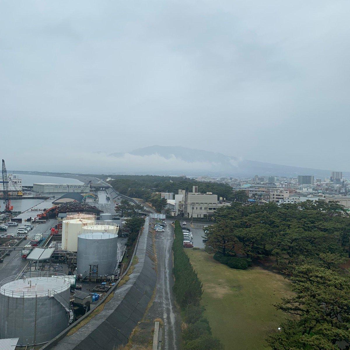 沼津港大型展望水門びゅうお(展望回廊・富士山方面)