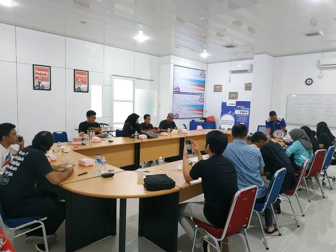 Tiki On Twitter Pada Sabtu 2 Maret 2019 Topcom Padang Mengadakan Nobar Yg Berlokasi Di Kantor Tiki Cab Padang Jl Nipah No 48 Berok Nipah Acara Diisi Sharing Session Dr Tiki Mengenai Bisnis