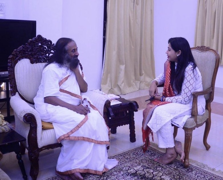 The master who rules the heart of people from 156 countries - Gurudev ! India is blessed to have you @SriSri Bless me & my endeavours