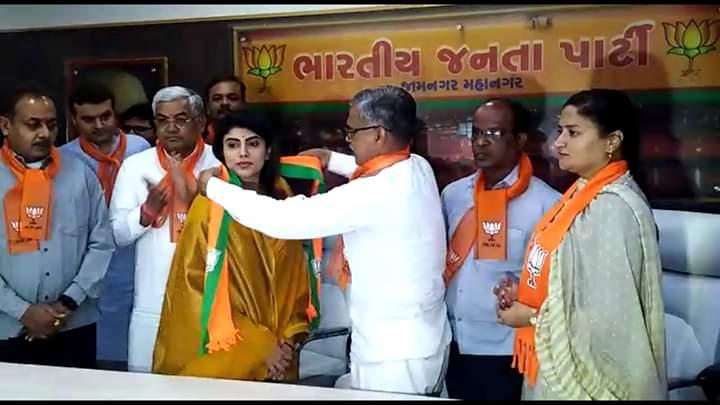 Wife of Team India Cricketer Ravindra Jadeja joins BJP