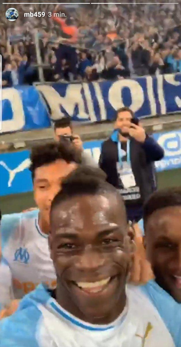 """Марио Балотелли """"зачекинился"""" в Instagram сразу после гола - изображение 1"""