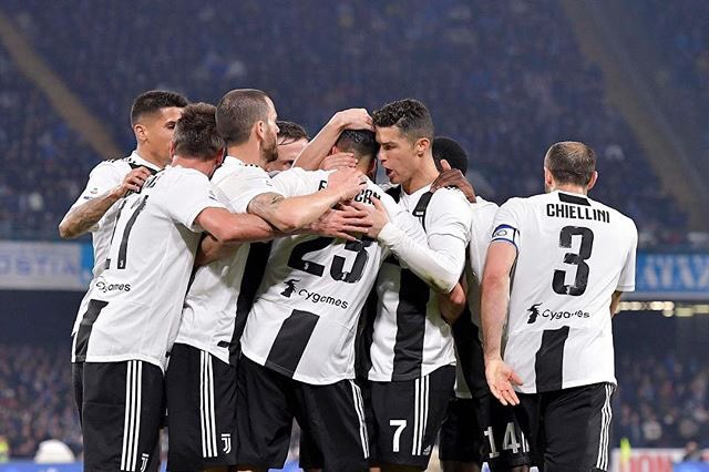 Ronaldo sắp có danh hiệu đầu tiên cùng Juventus