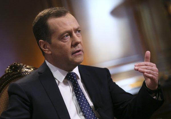 Накануне официального визита в Болгарию Дмитрий Медведев дал интервью болгарской газете «Труд» http://government.ru/news/35903/