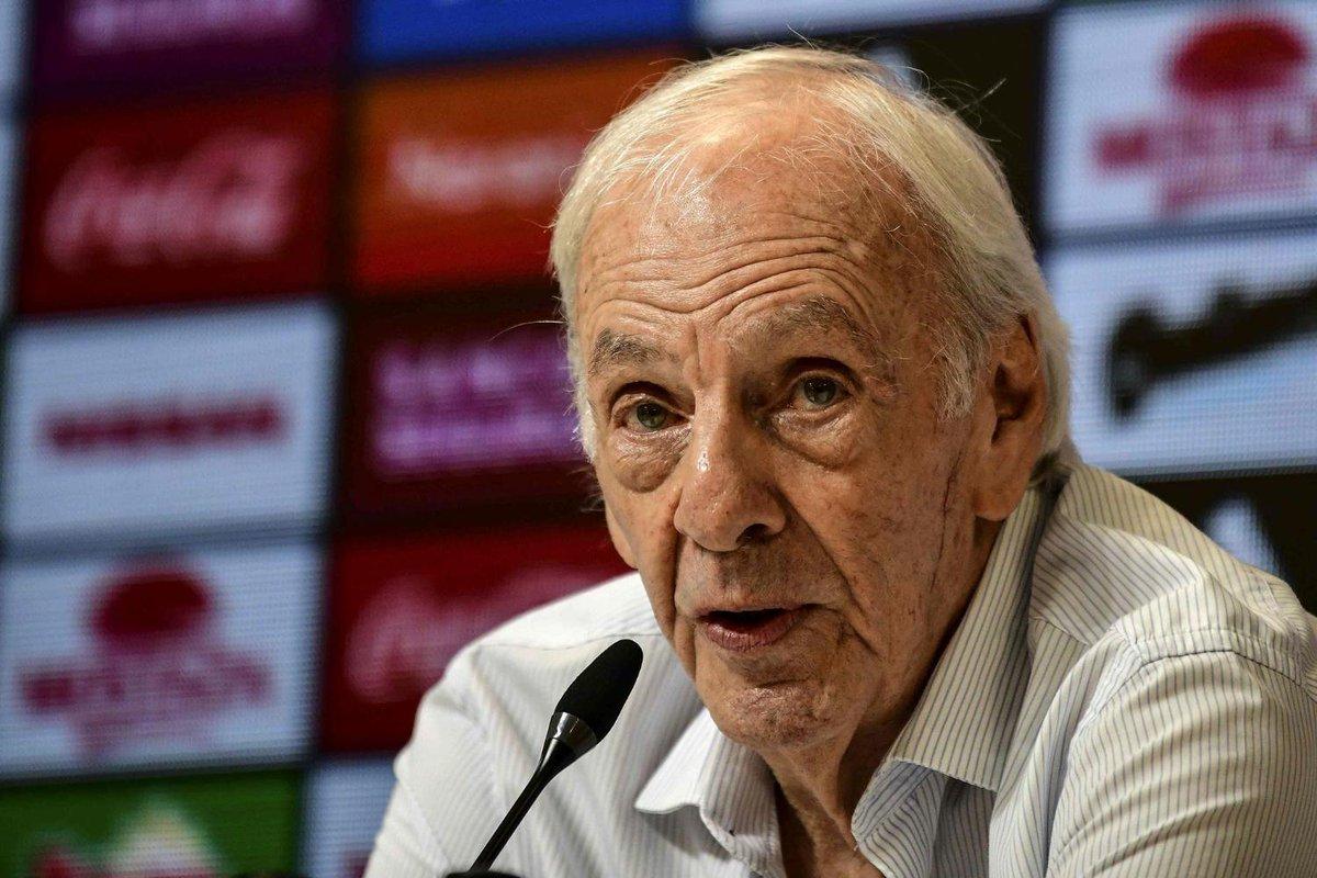 """Menotti: """"Supongo que Agüero estará en la Copa América"""""""