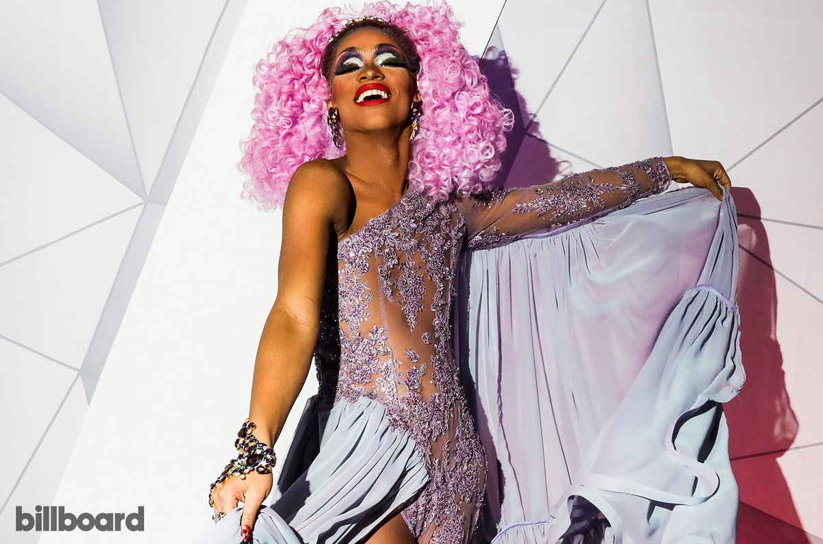 Listen: @TheVixensworld gets real about oppression & her background in new song #Chicago https://blbrd.cm/5nZN8b