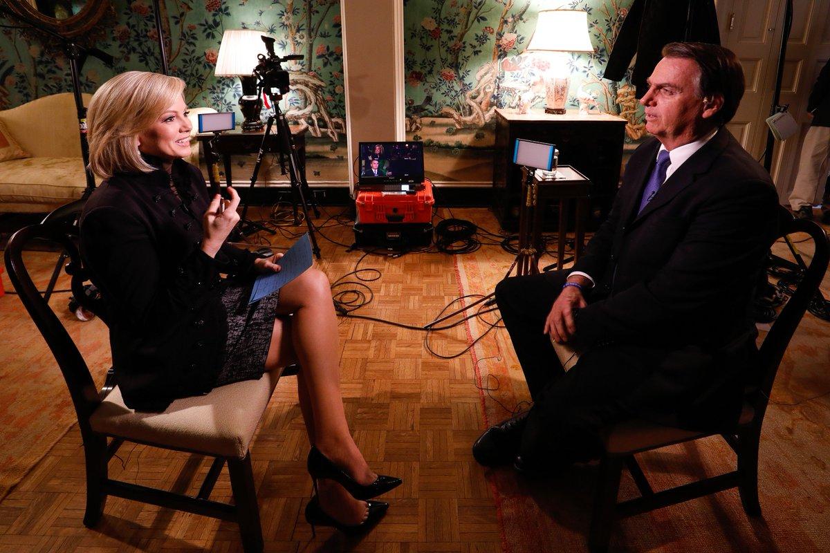 Presidente Bolsonaro sendo entrevistado pela Fox News.