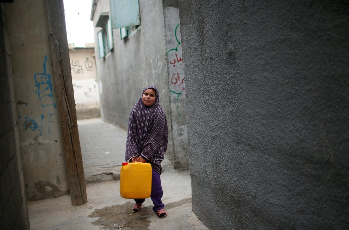 Israel deprives clean water to millions of Palestinians with its Gaza blockade and denial of West Bank access to water networks, say the UN.  Gaza is facing a &quot;significant health crisis&quot; because most water is not safe to drink and power cuts regularly impact desalination plants. <br>http://pic.twitter.com/xFK5vVnJmz