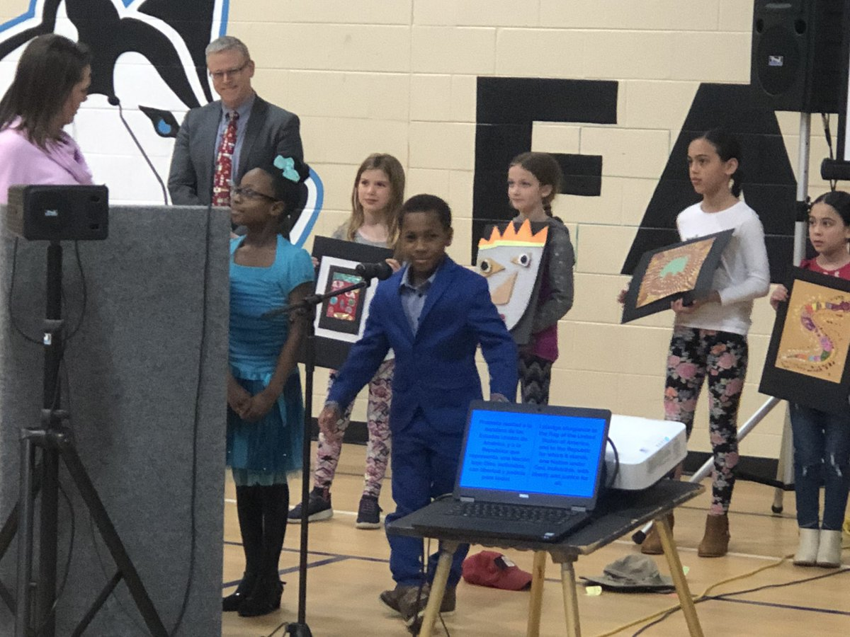 These @Ada_VistaFHPS students and art teacher showed the FHPS board how they are training to become world-class artists. Their journey took us not only through 7 different continents but also 7 different elements of art. AV students are trilingual-English, Spanish, Art!<br>http://pic.twitter.com/OwcmQQIfbs