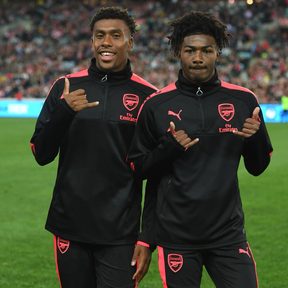RT @Arsenal: From Hale End to here 🔴  Our @ArsenalAcademy boys are living the dream ✨  @Ains_7 🤜🤛 @AlexIwobi https://t.co/It5bs15svg