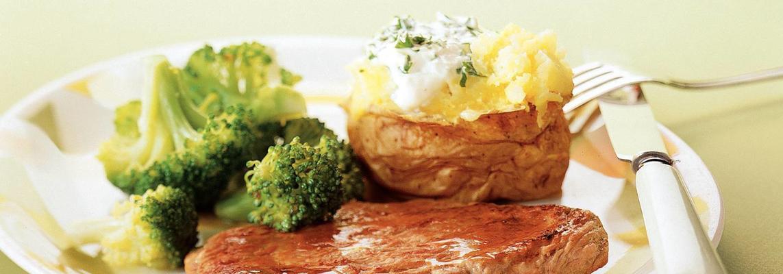 kavrulmuş patates ile dana şnitzel   https://yemeke.net/kavrulmuş-patates-ile-dana-şnitzel-R103588…  #yemeke #yemek #yemekler #yemekrium #yemeği #foodlovers #foodrecipes #food #instafood #foodpic #foodporn #instarecipes