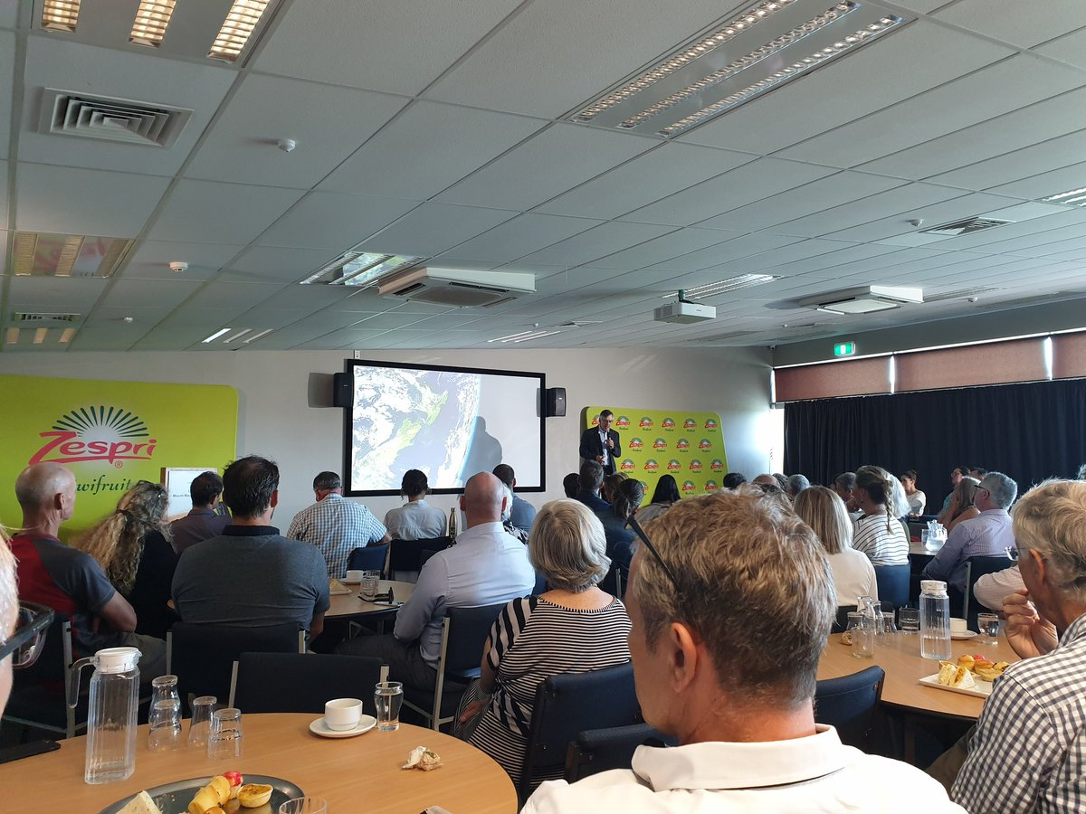 Great to be at the Zespri-sponsored presentation by @RodOramNZ on sustainability in #Tauranga   @ZespriCorporate #Agritech <br>http://pic.twitter.com/GS2Is6S2PI