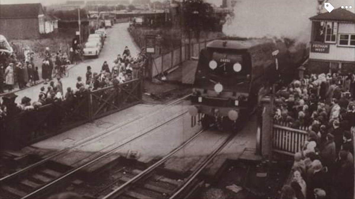 D10OG1KWwAAWI5c - Rail trespassers of 1965