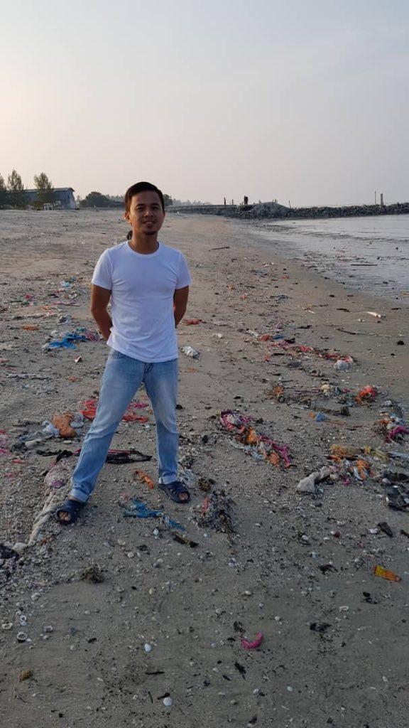 Yesterday's #TrashChallenge #TrashTag at pantai redang, sekinchan @maya_karin 😊