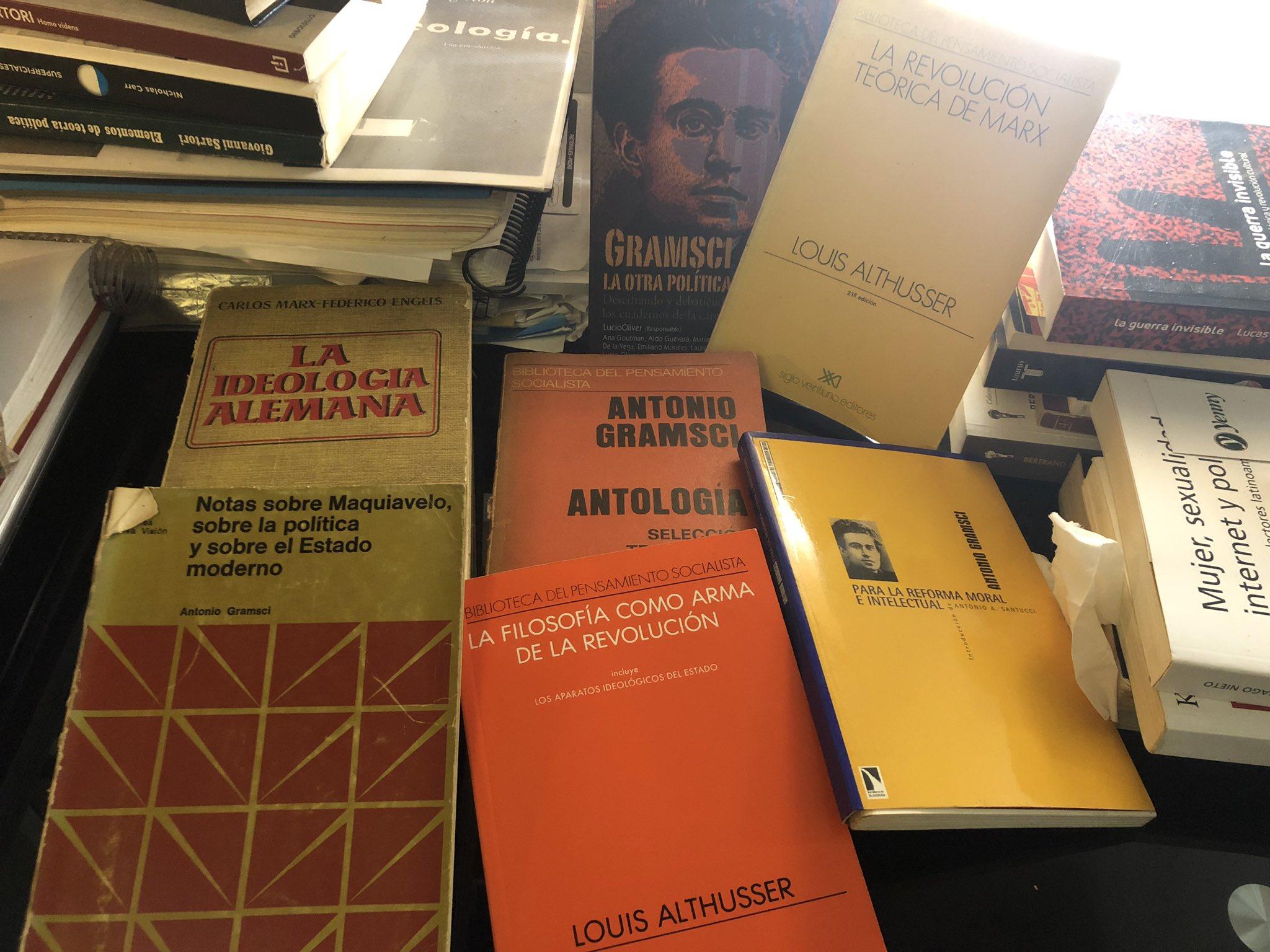 """Agustín Laje on Twitter: """"Liberprogres dicen que @NickyMarquez1 es nazi por  tener un libro de S. Borrego. Supongo que yo, con Marx, Gramsci, Althusser,  ..."""