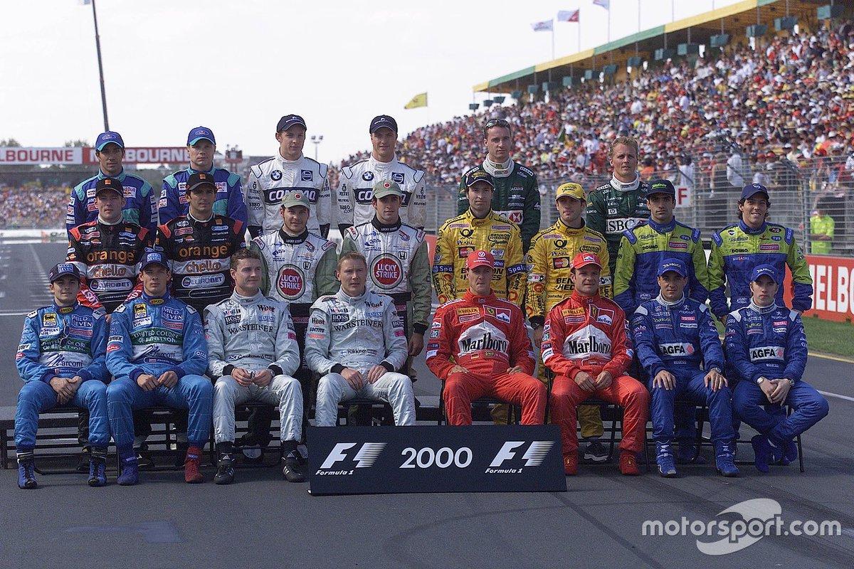 Australian GP start-of-season official photos 2000, 2001 &amp; 2002 #F1<br>http://pic.twitter.com/MEvFHAWx4F