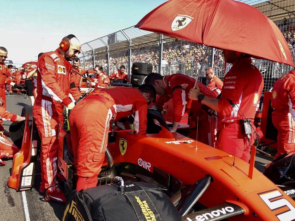 Ferrari evidenció problemas de motor en Melbourne