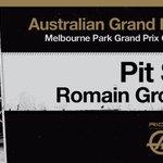 Lap 16 - @RGrosjean pits from P6, switches onto medium tires. #AusGP