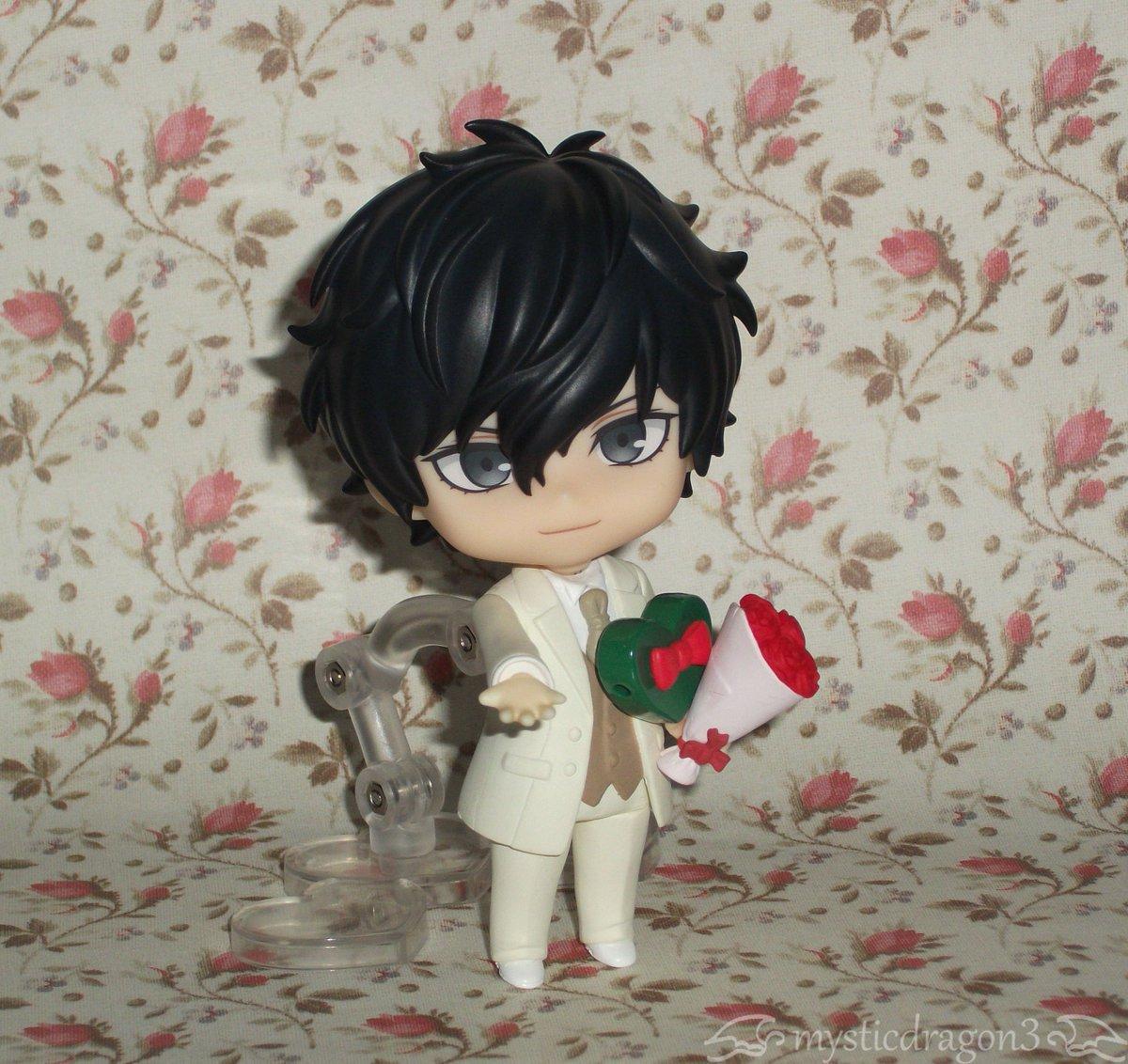 Belated #WhiteDay / #ValentinesDay photoshoot, with #Nendoroid #Joker. #Persona5 #AkiraKurusu #RenAmamiya #flowers<br>http://pic.twitter.com/2pKlntca5Q