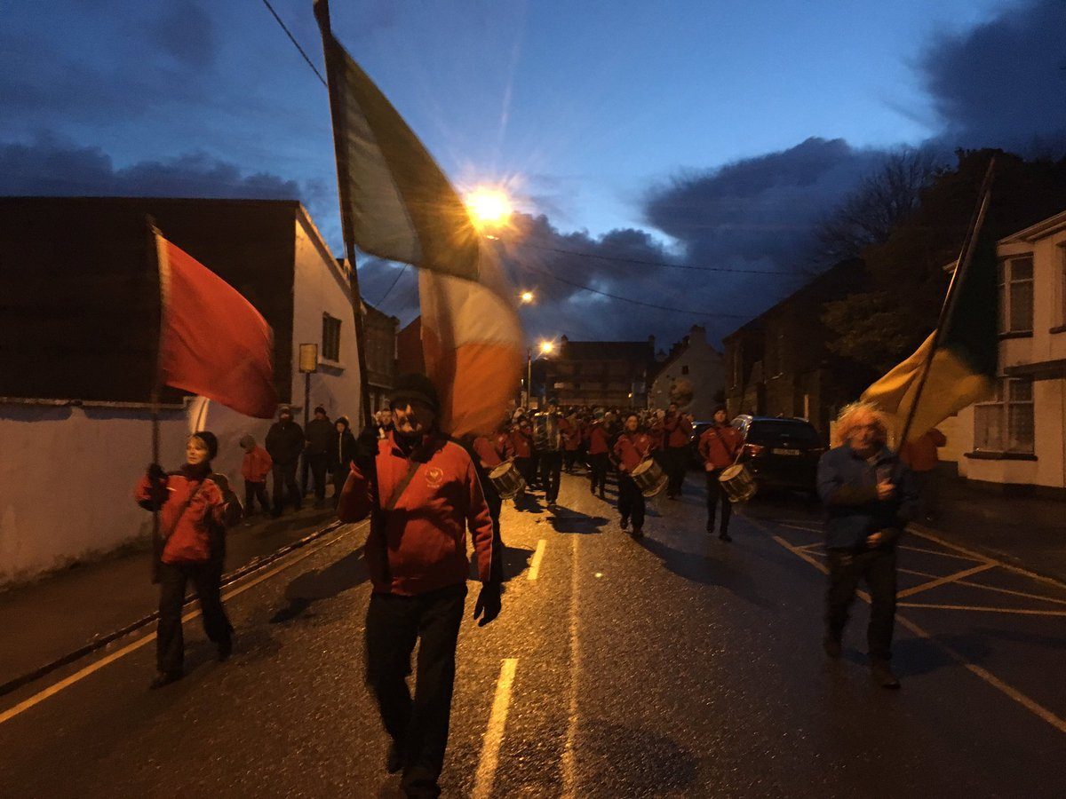 Ireland's earliest parade in Dingle... a tradition since the Land War of the 1880s when the British banned marching between sunrise and sunset... so the people of Dingle came out before daybreak! A great tradition and a mighty turnout at 6am.  #WestKerry<br>http://pic.twitter.com/BTeNilQ9Pq
