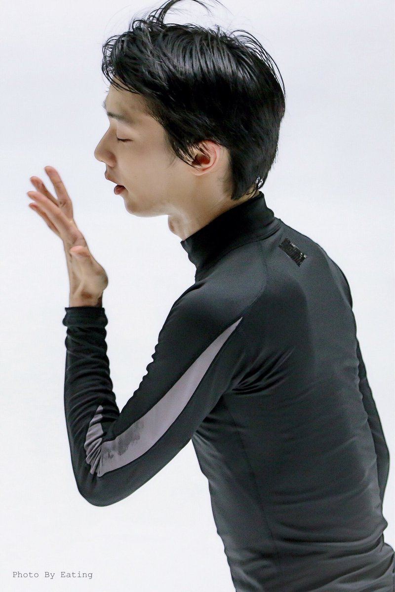 perfect side face  #YuzuruHanyu #羽生結弦  #GetWellSoonYuzu <br>http://pic.twitter.com/RQEVnxMobL